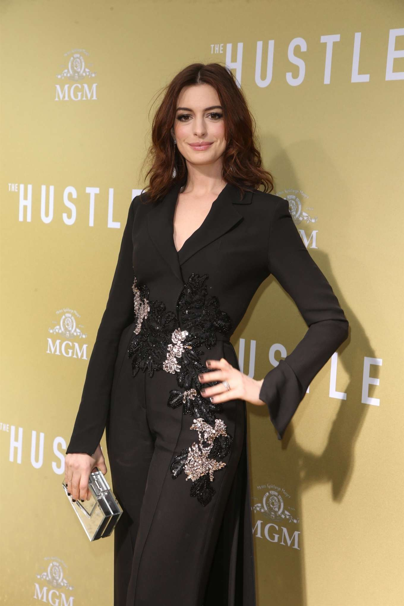 Anne Hathaway 2019 : Anne Hathaway: The Hustle LA Premiere -05