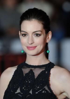Anne Hathaway: The Intern UK Premiere -21 - GotCeleb  Anne Hathaway