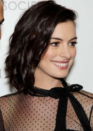 Anne Hathaway – 'The Intern' Screening in NYC