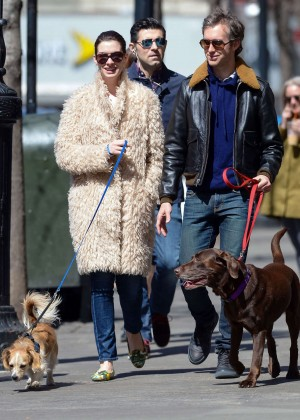 Anne Hathaway - Walking her dog in NYC