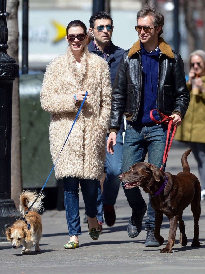 Anne Hathaway – Walking her dog in NYC
