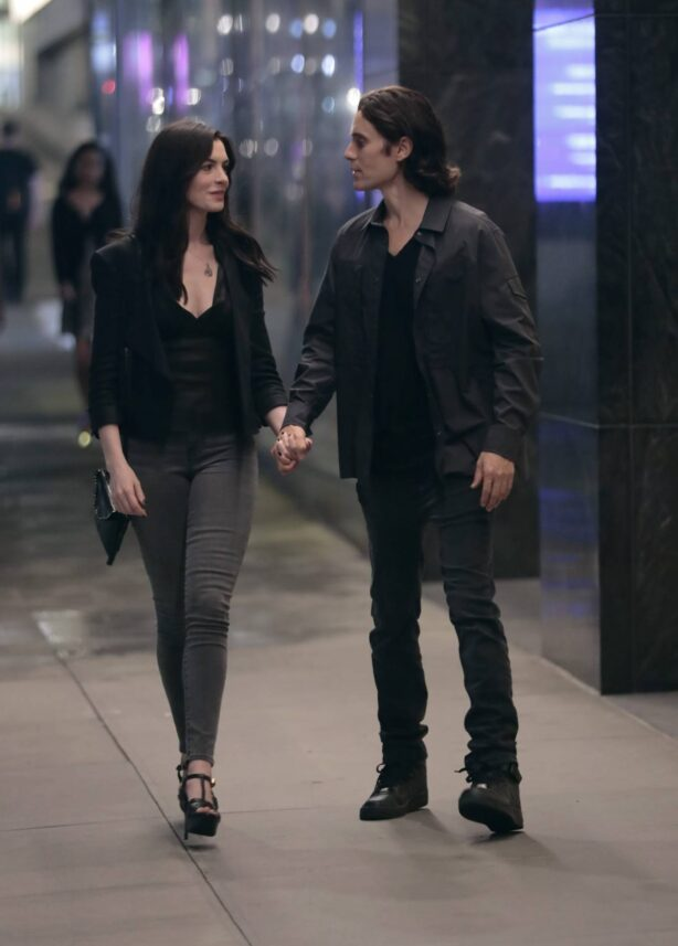 Anne Hathaway - With Jared Leto on the set of 'We Crashed' aka 'Caviar' in New York