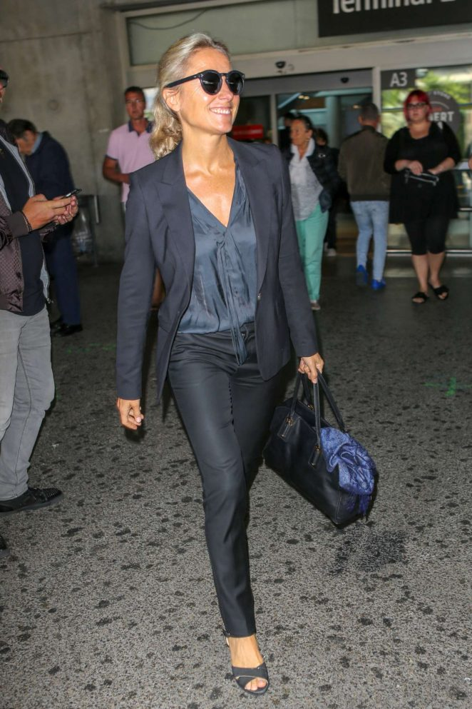 Anne-Sophie Lapix - Arriving at Nice Airport