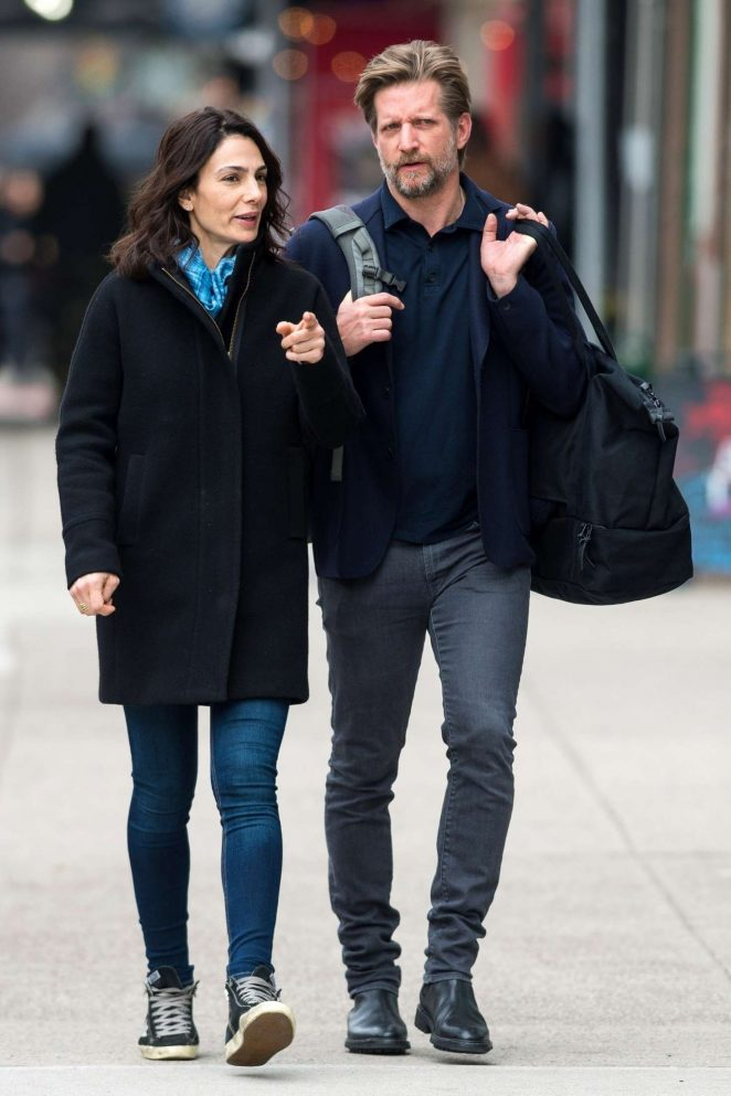Annie Parisse and Paul Sparks out in NYC