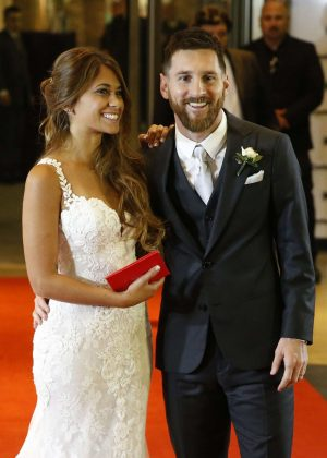 Antonella Roccuzzo and Lionel Messi at their wedding in Argentina adds