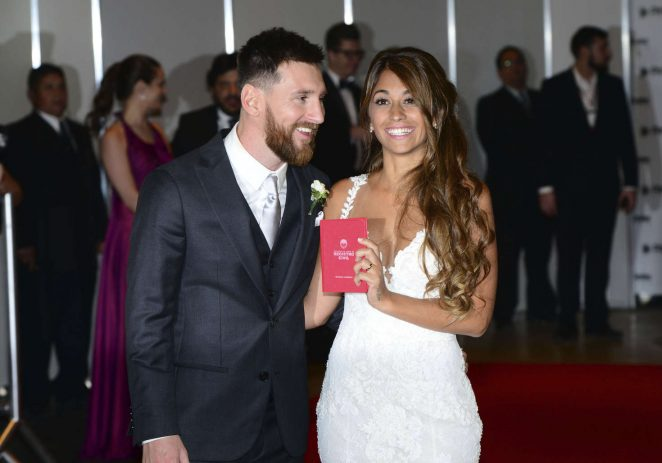 Antonella Roccuzzo and Lionel Messi at their wedding in Argentina
