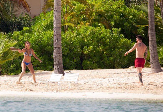 Antonella Roccuzzo 2017 : Antonella Roccuzzo: Bikini in Antigua-06