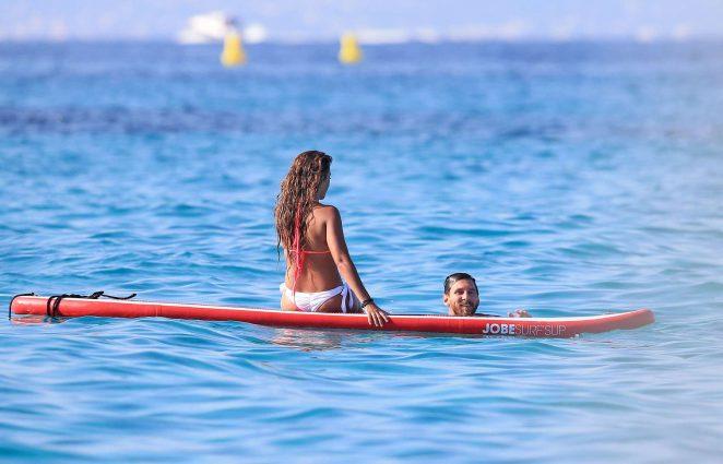 Antonella Roccuzzo pics: bikini 2016 in Ibiza-04
