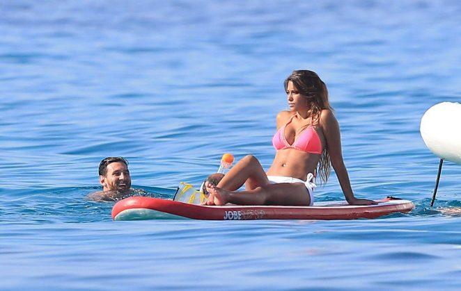 Antonella Roccuzzo pics: bikini 2016 in Ibiza-10
