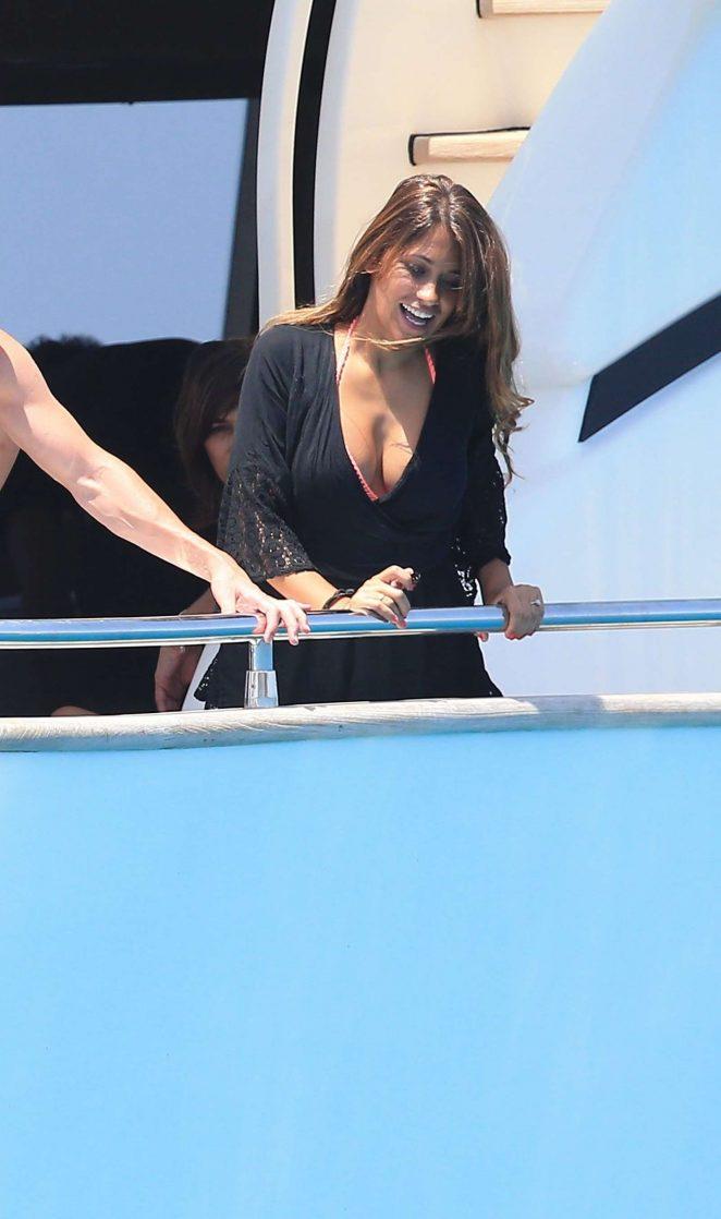 Antonella Roccuzzo on holiday in Ibiza -11 - GotCeleb
