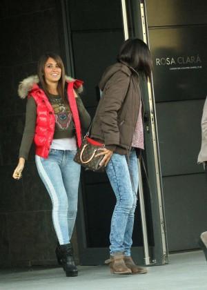 Antonella Roccuzzo hot in tight jeans-01