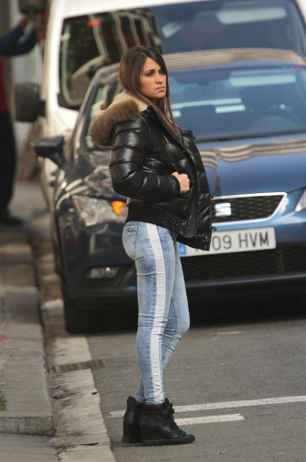 antonella roccuzzo hot in tight jeans02 gotceleb