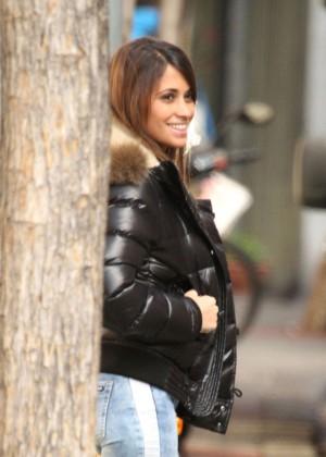 Antonella Roccuzzo hot in tight jeans-08
