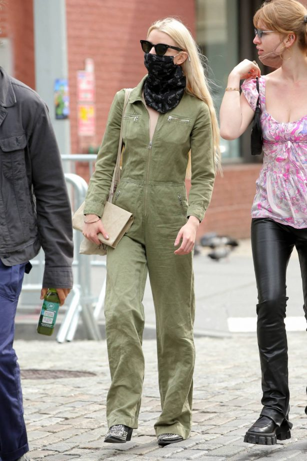 Anya Taylor-Joy - in a green jumpsuit in Soho in New York
