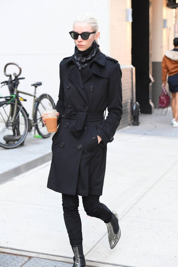 Anya Taylor-Joy - In all black out for a coffee in SoHo