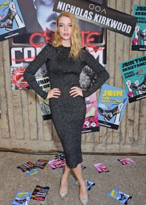 Anya Taylor-Joy – Nicholas Kirkwood Fashion Show in London