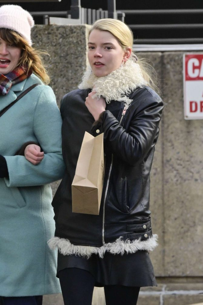 Anya Taylor-Joy 2019 : Anya Taylor-Joy: Shopping in New York City -01