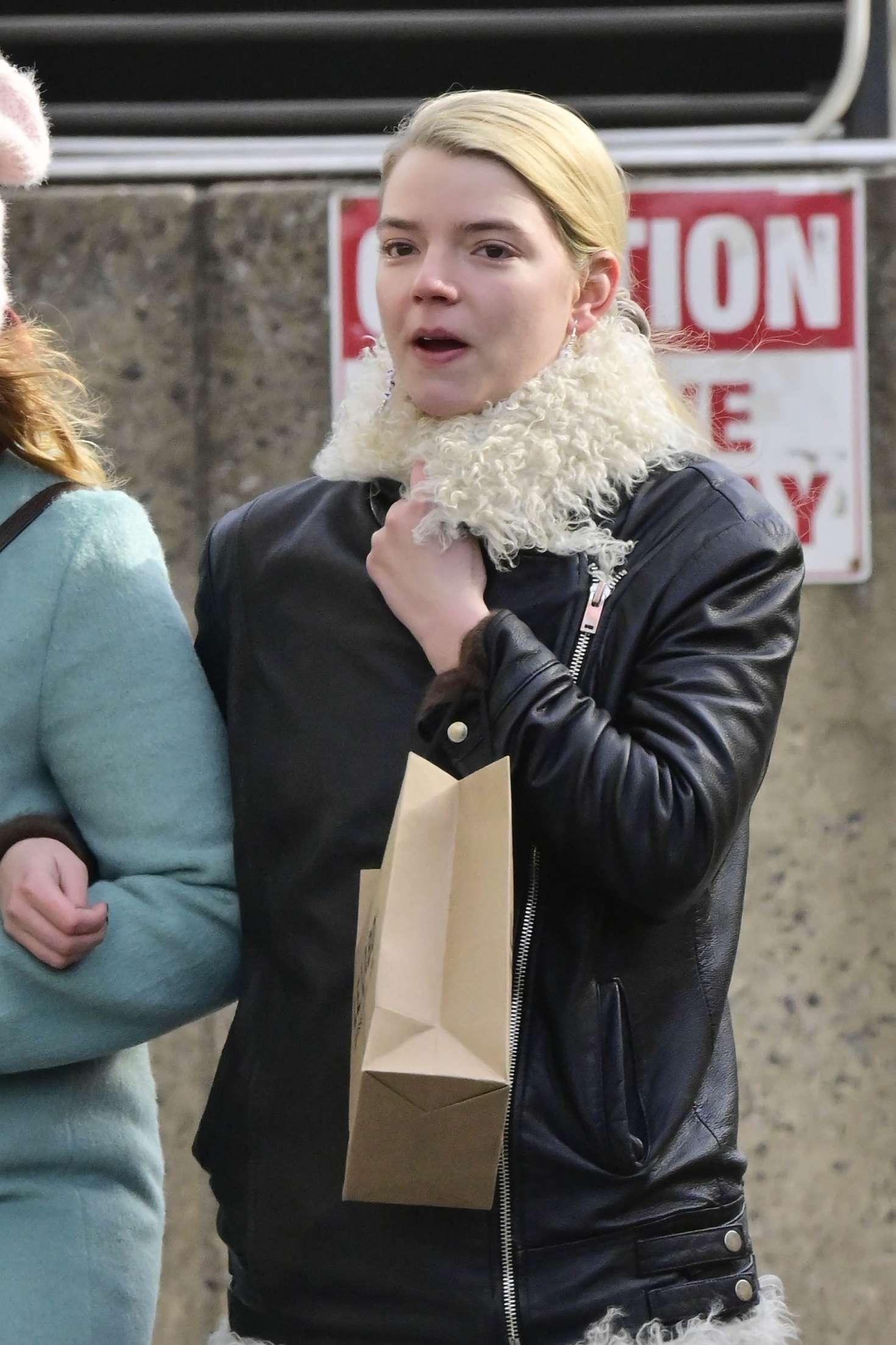 Anya Taylor-Joy - Shopping in New York City