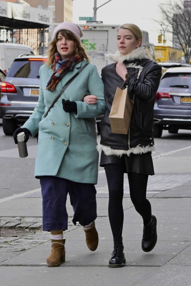 Anya Taylor-Joy 2019 : Anya Taylor-Joy: Shopping in New York City -08