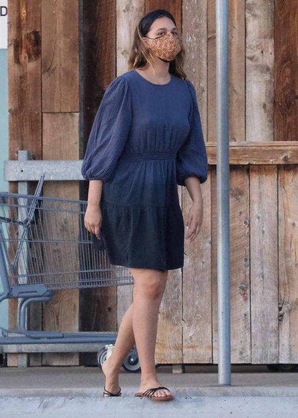 April Love Geary - In blue dress shopping candids at Vintage Grocers in Malibu