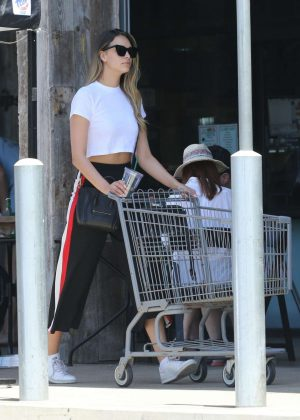 April Love Geary - Shopping in Malibu