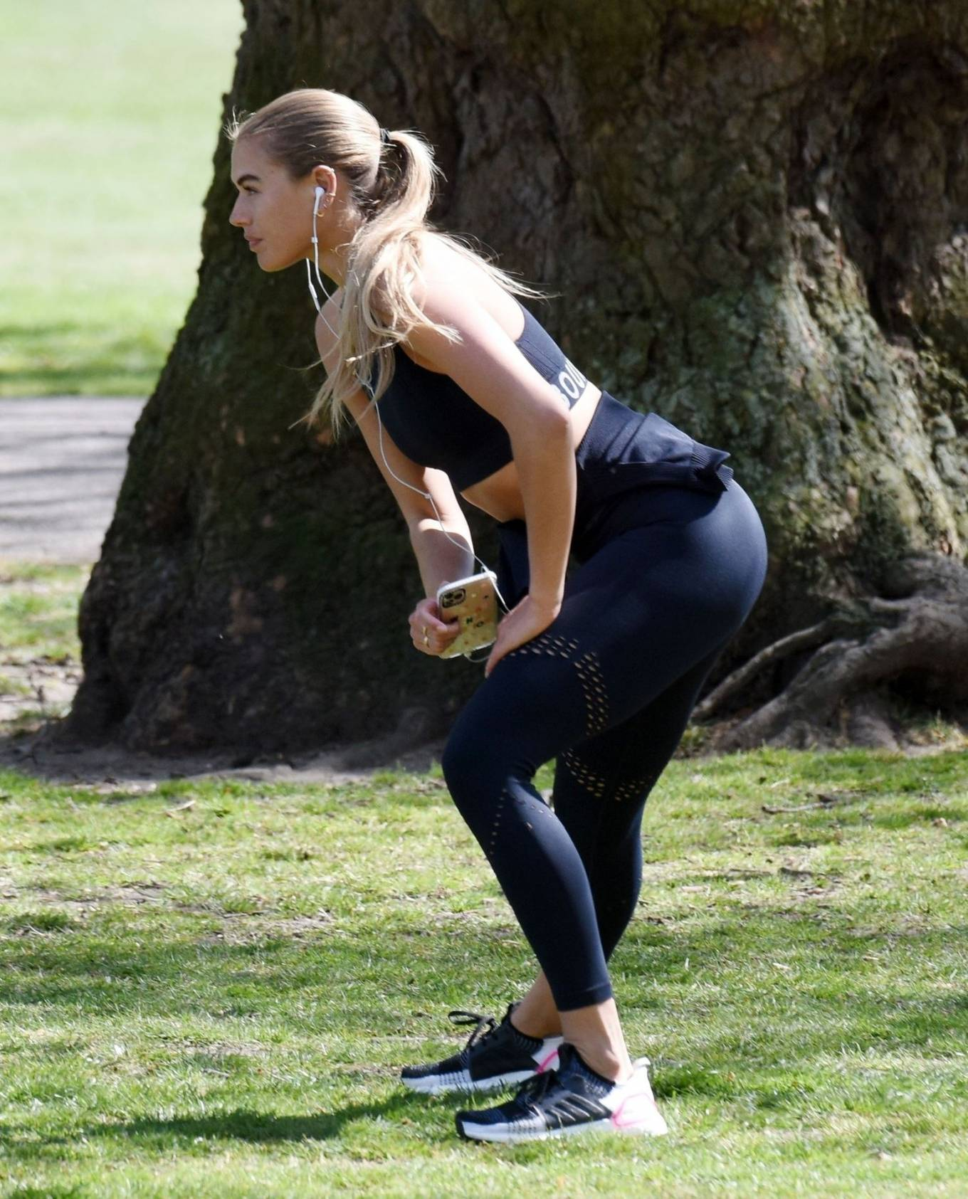 Arabella Chi - Workout candids in the park in London