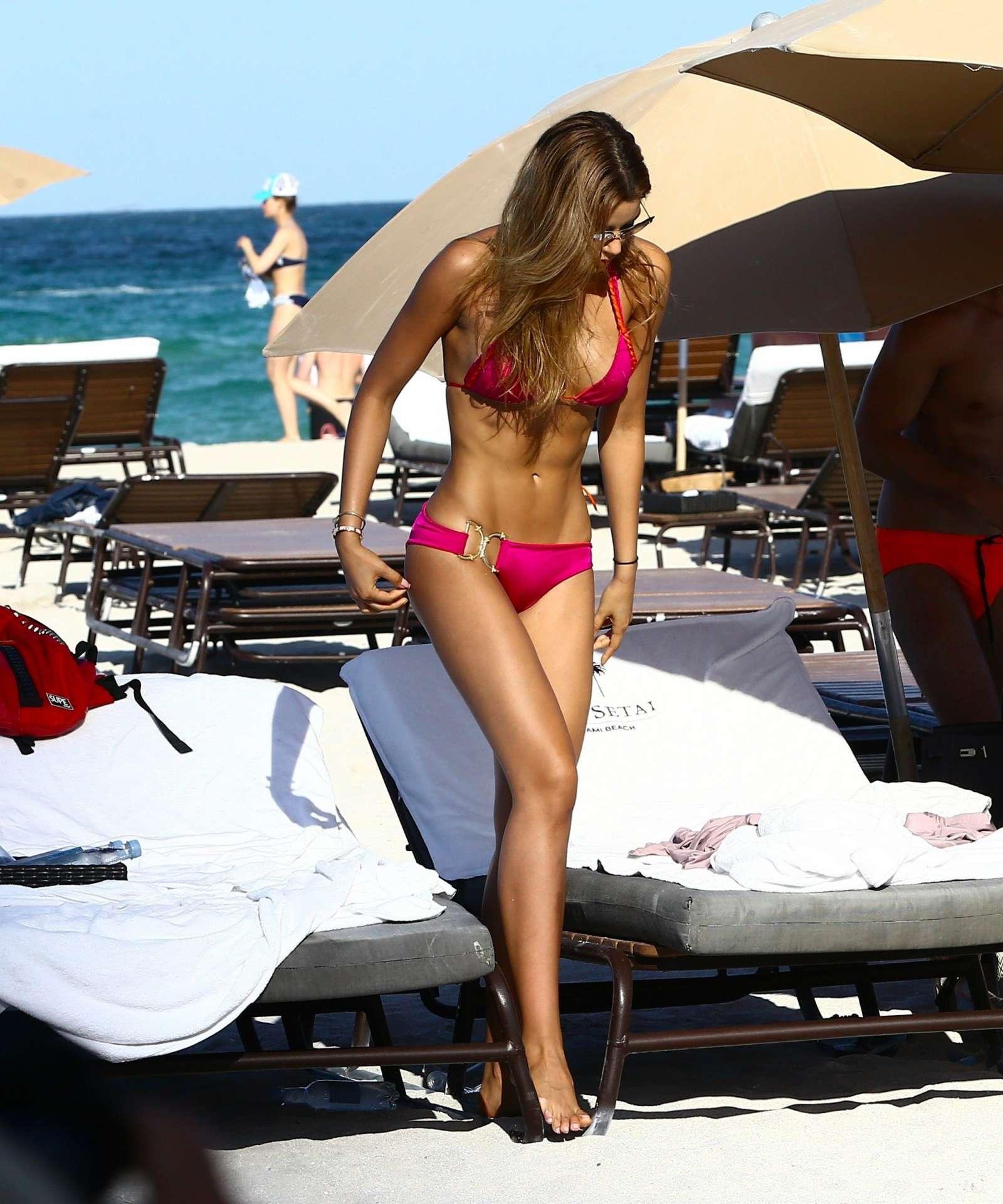 Bikini Ariadna Gutierrez nudes (44 foto and video), Ass, Hot, Feet, braless 2006