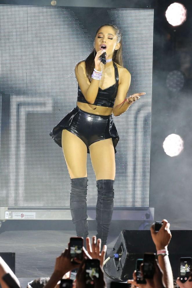 Ariana Grande: 2015 NYC Pride Dance On The Pier -13
