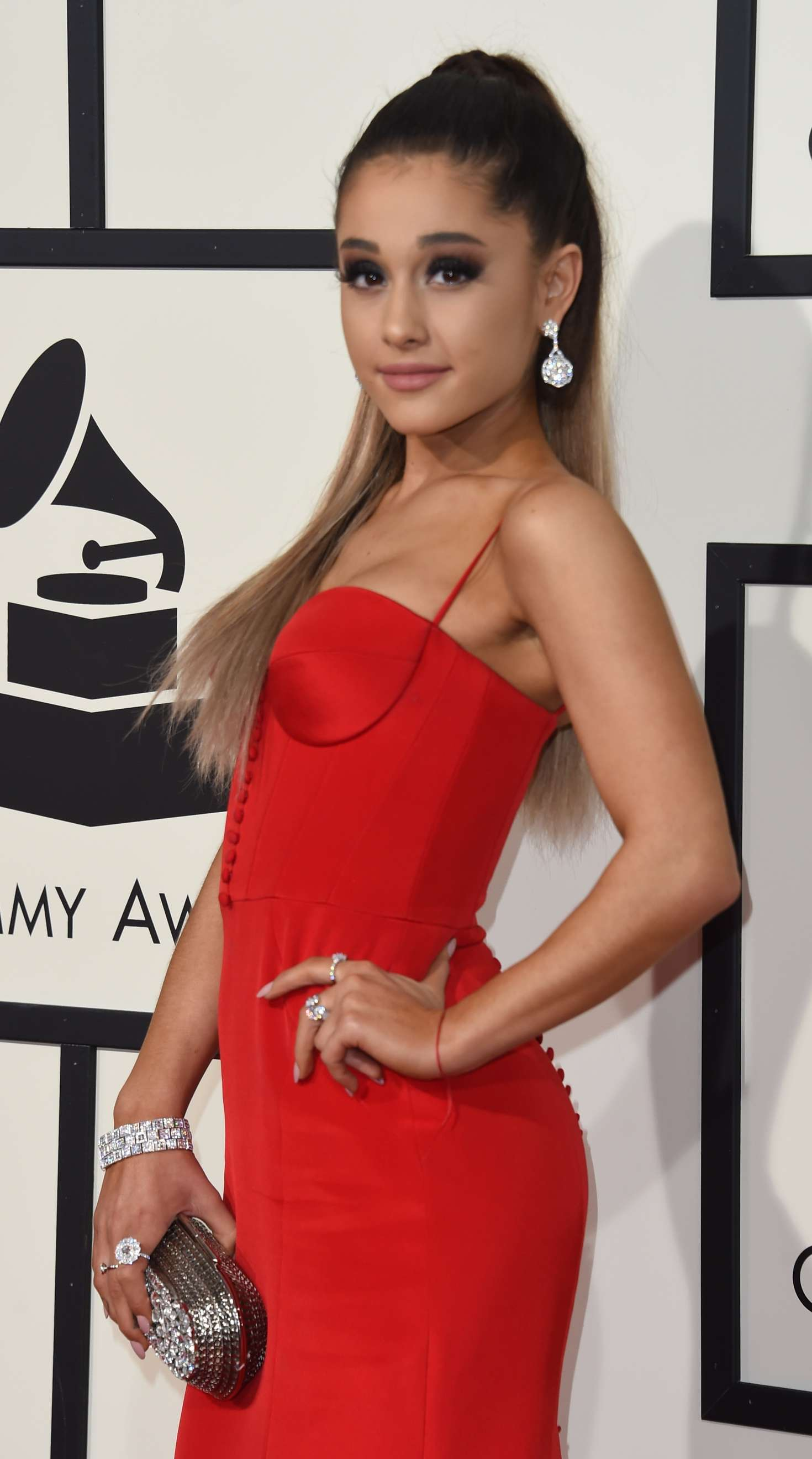 ariana grande 2016 grammy awards 07 gotceleb. Black Bedroom Furniture Sets. Home Design Ideas