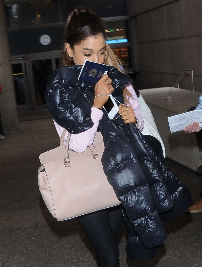 Ariana Grande - Arrives at LAX airport in LA