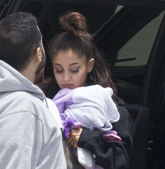 Ariana Grande Arrives home in Boca Raton