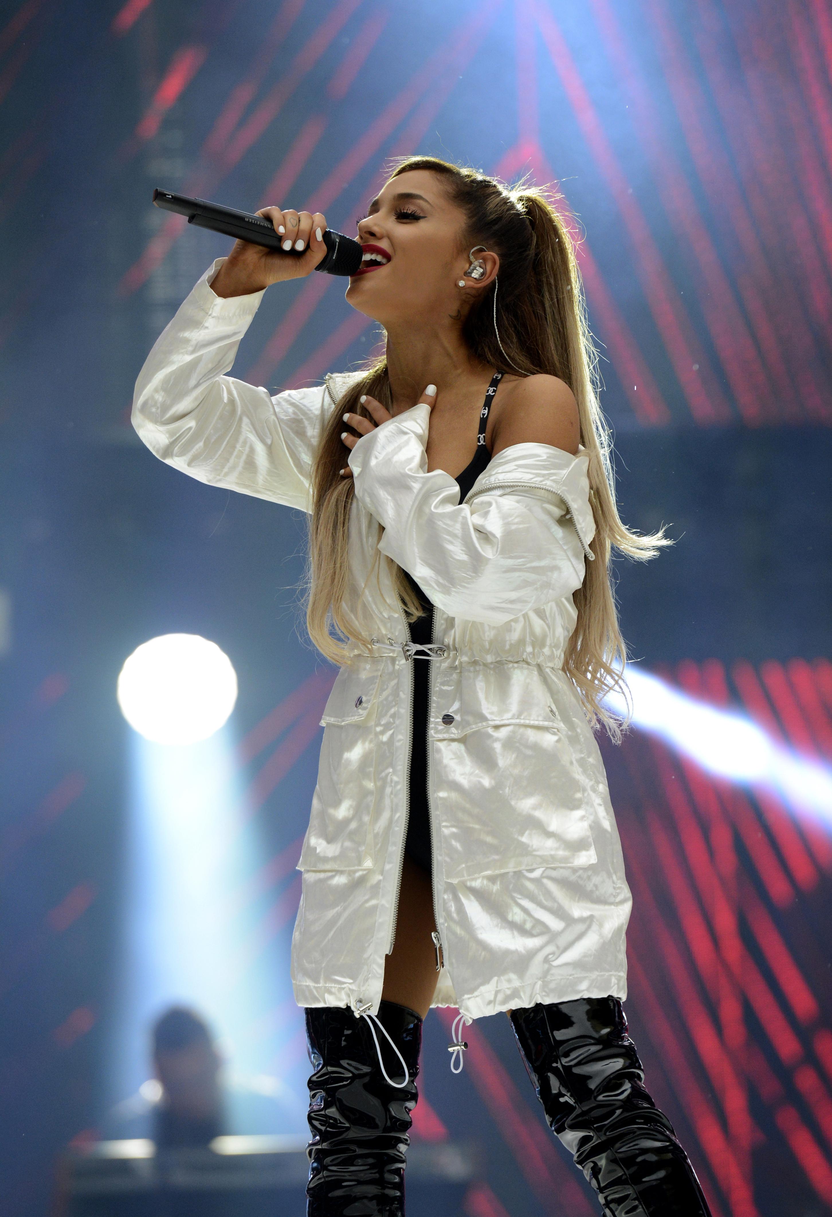 Ariana Grande Capital Fm Summertime Ball 2016 04 Gotceleb