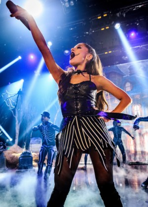 Ariana Grande - iHeartRadio Concert Honda Stage in Los Angeles