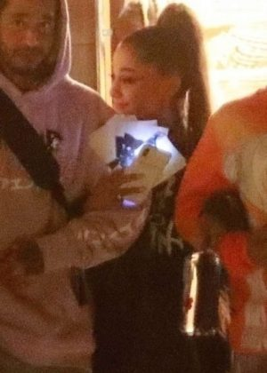 Ariana Grande - Out for dinner with friends at Nobu in Malibu