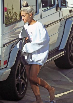 Ariana Grande out in Los Angeles