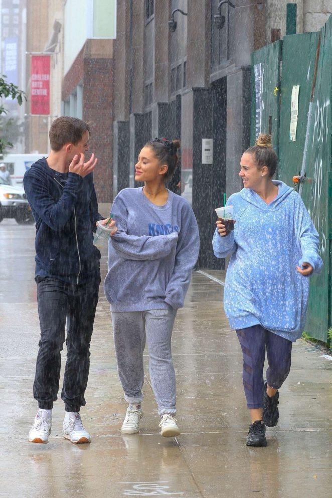 Ariana Grande 2018 : Ariana Grande: Out in New York -01