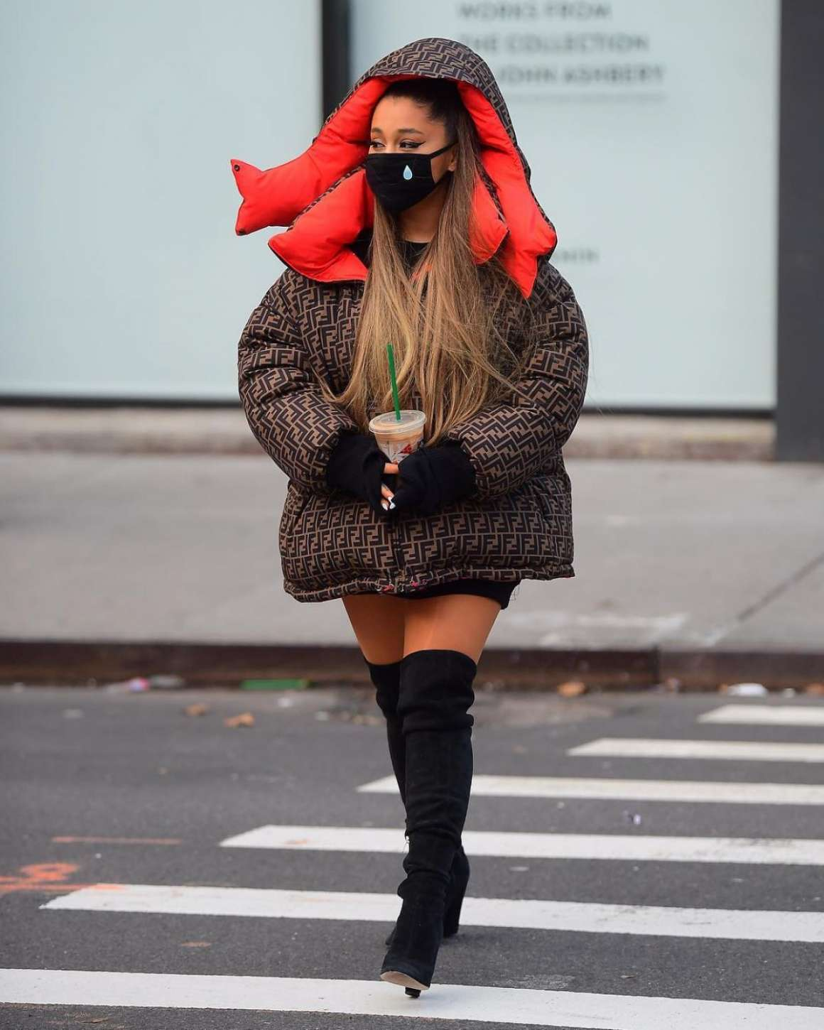 Ariana Grande 2018 : Ariana Grande: Out in New York -07