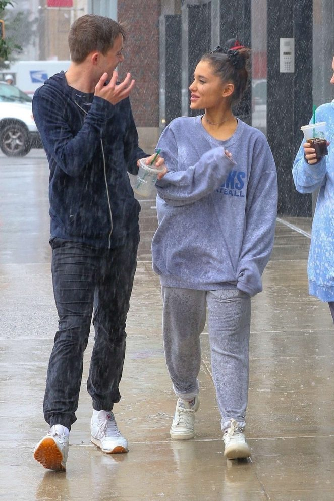 Ariana Grande 2018 : Ariana Grande: Out in New York -19