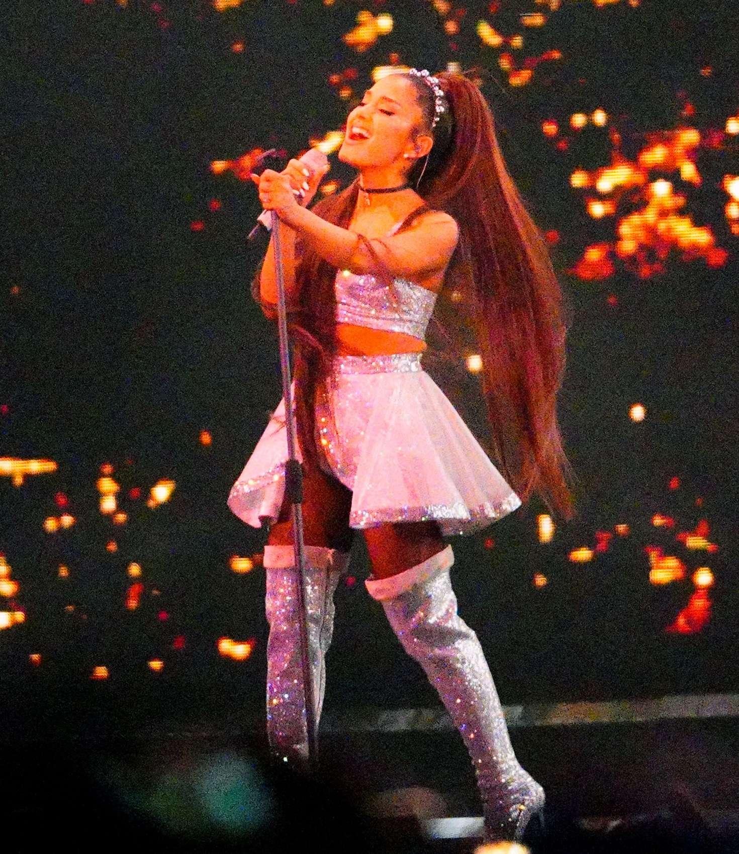 Ariana Grande 2019 : Ariana Grande: Performance at Coachella -21