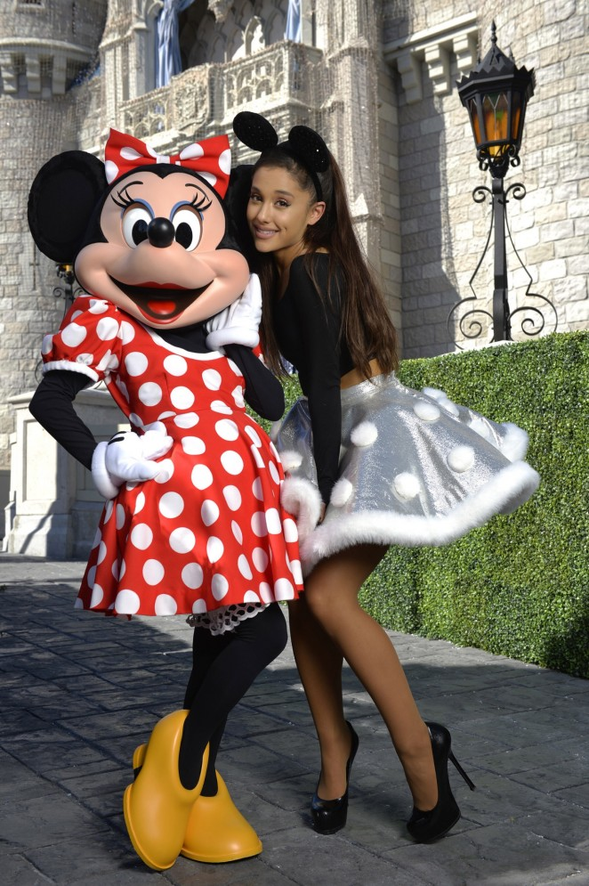 Ariana Grande - Performing at Disney Parks Christmas Parade in Orlando