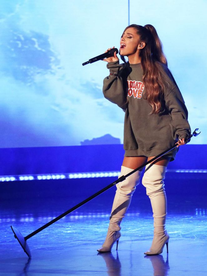Ariana Grande - Performing on the 'Ellen Degeneres' Show in LA