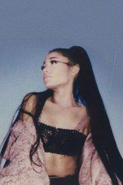 Ariana Grande - Personal Pics