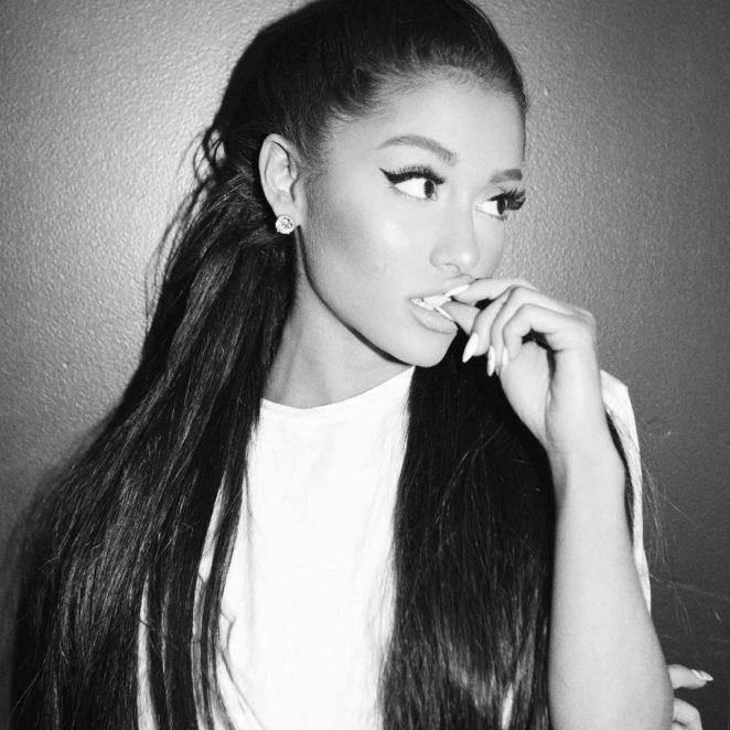 Ariana Grande – Photoshoot 2017