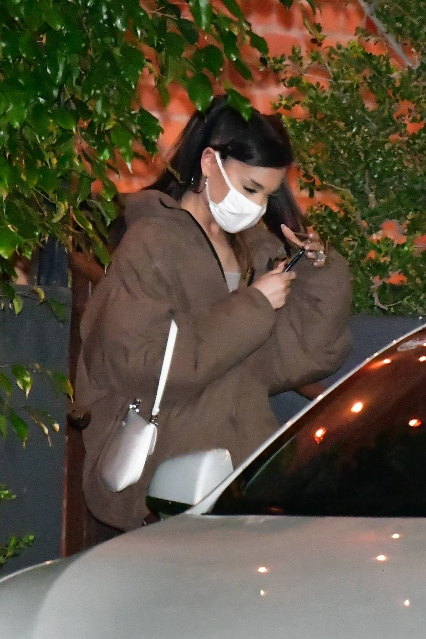 Ariana Grande - Pictured at FIA restaurant after dinner in Santa Monica