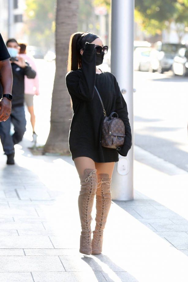 Ariana Grande - Shopping candids in Beverly Hills