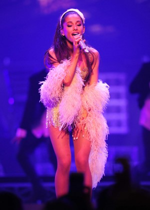 Ariana Grande: Performs in Pittsburgh -08