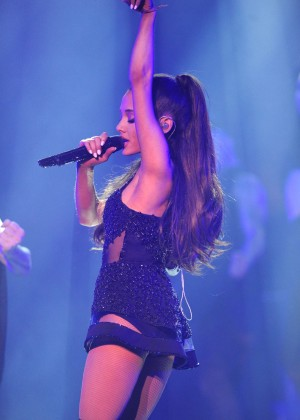 Ariana Grande: Performs in Pittsburgh -19