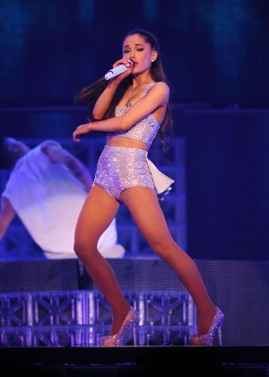 Ariana Grande: Performs in Pittsburgh -26