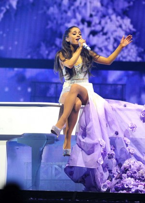 Ariana Grande: Performs in Pittsburgh -46
