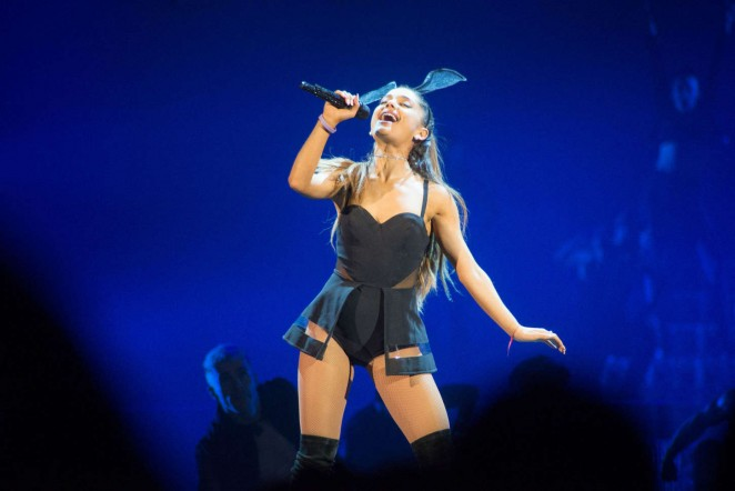 Ariana Grande - The Honeymoon Tour in Uncasville